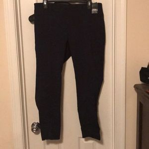 New York and Company Black Ankle Legging